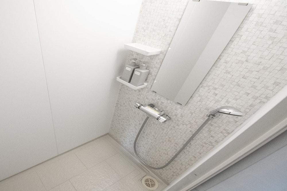 Huone (B, NAKAJIMA park) - Kylpyhuoneen suihku