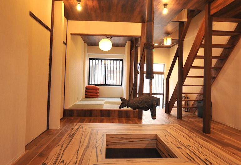 Condominium House in Osaka Shin-Fukae, Osaka, Condo, 2 Bedrooms, Living Area