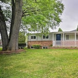 Alexandria Home 8 Miles to The National Mall!