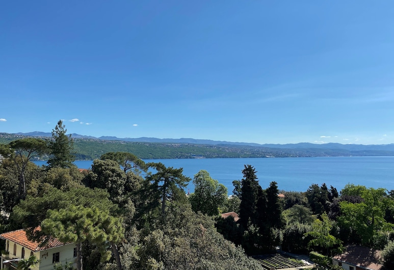 Hotel Paris, Opatija, Standard Double Room, Partial Sea View, Guest Room View
