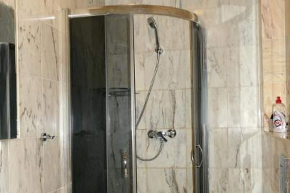 Deluxe Tek Büyük Yataklı Oda (5) - Banyo