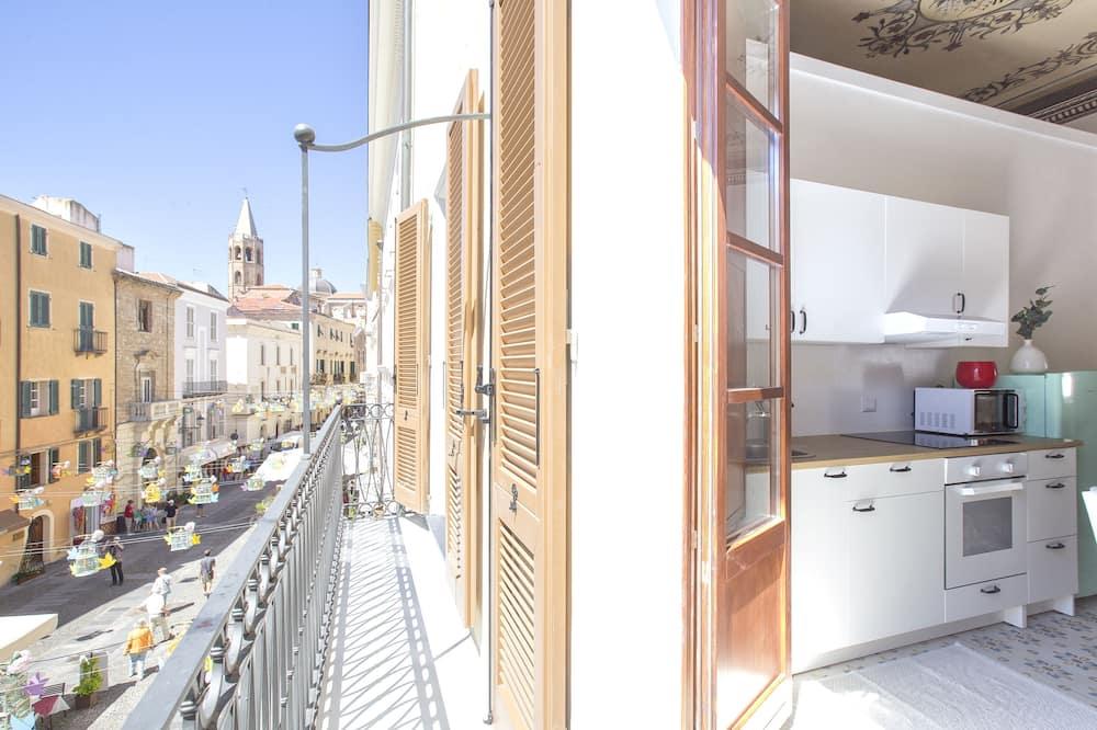 Comfort apartman, Više kreveta, pogled na grad - Balkon