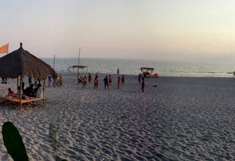 Cocotel Club Monet Beach and Resort, Cabangan, Plaža