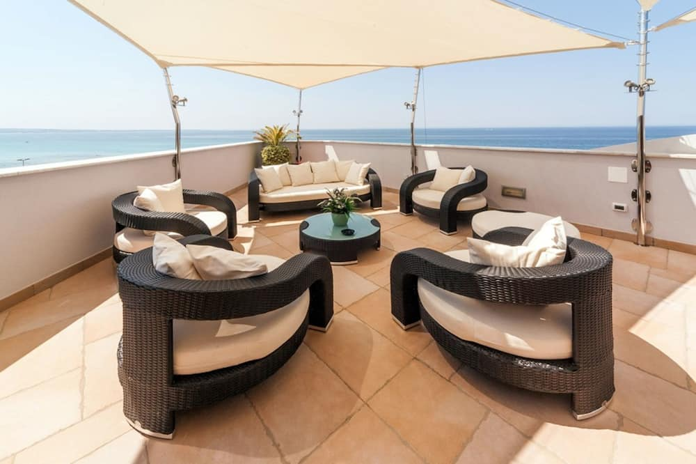 Luxe penthouse, 1 queensize bed, bubbelbad - Terras