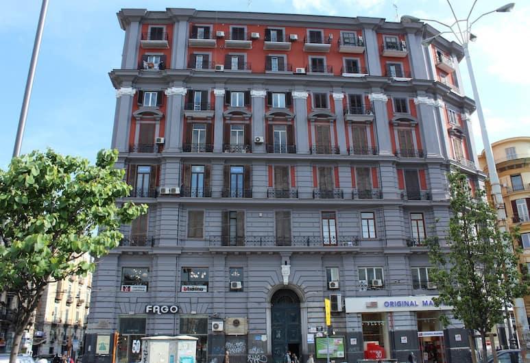 N'Art Suites Napoli, Naples, Bagian luar