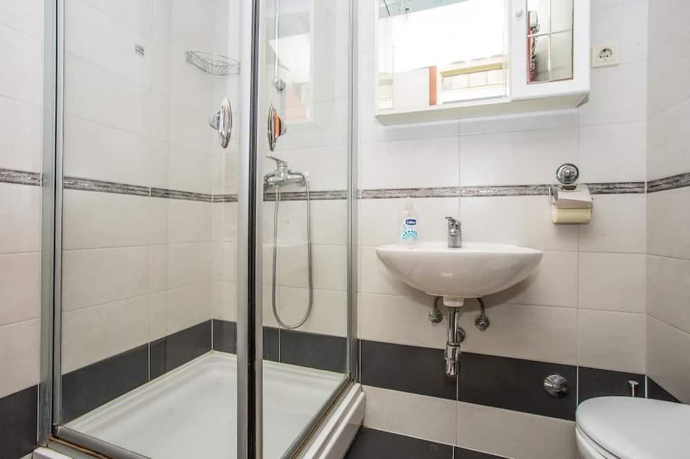 Apartmán, více lůžek - Koupelna