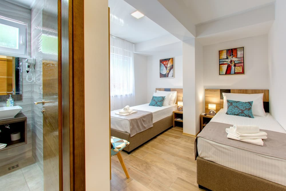 Classic Double or Twin Room, Hill View - Room