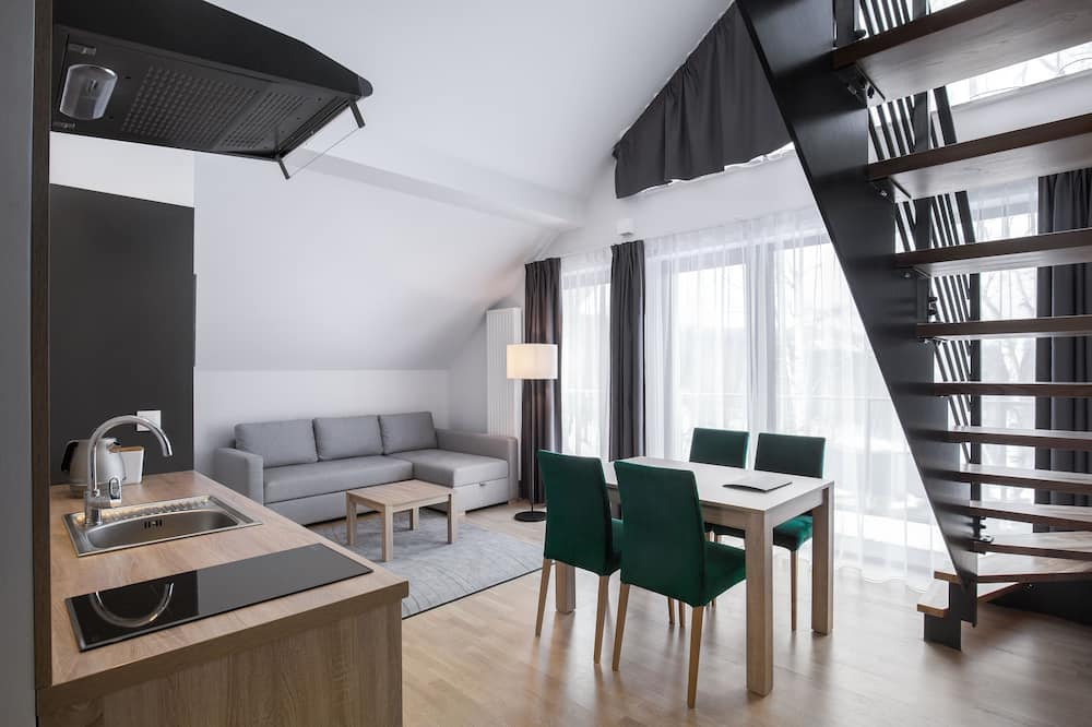 公寓 (Duplex) - 客廳