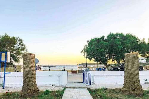 卡特里那海灘客房飯店/