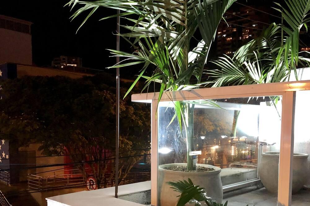 Comfort Κρεβάτι Ξενώνα, Περισσότερα από 1 Κρεβάτια - Θέα στον κήπο