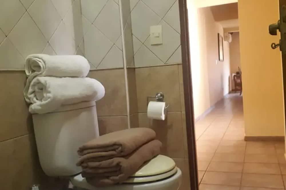 Apartament typu Comfort, Wiele łóżek - Łazienka