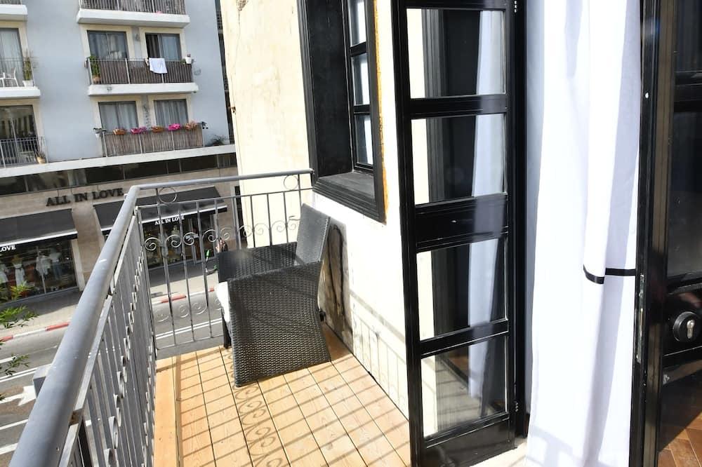 Family Studio Suite, Private Bathroom - Balcony