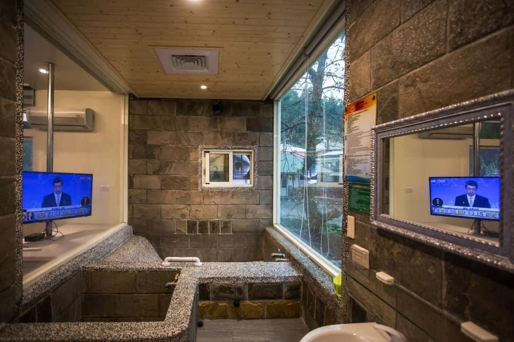 Dvivietis kambarys (W201) - Vonios kambarys