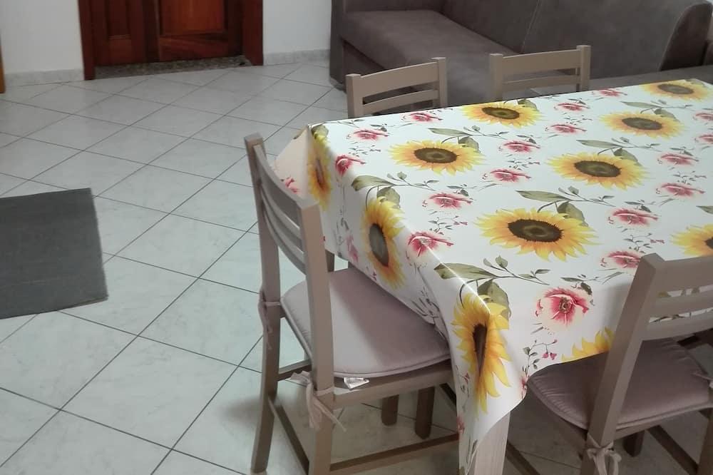 Dzīvokļnumurs, divas guļamistabas - Dzīvojamā zona