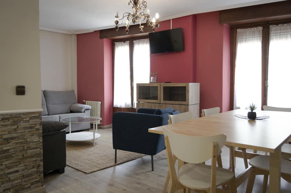 Family Apartment, 3 Bedrooms, Mountain View - Ruang Tamu