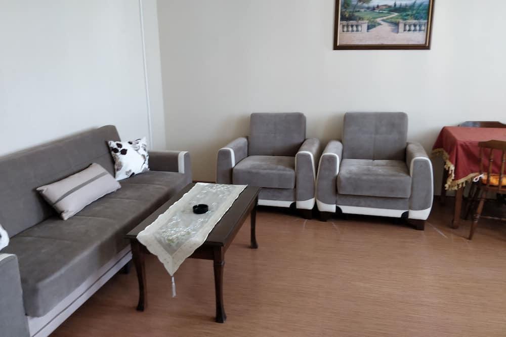 Economy Studio Suite, City View - Living Area