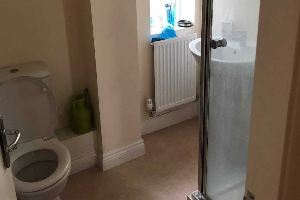 Superior House, 4 Bedrooms - Bathroom