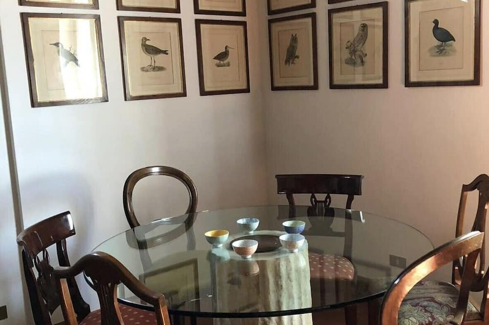 Panoramic House, 4 Bedrooms, Hill View - In-Room Dining