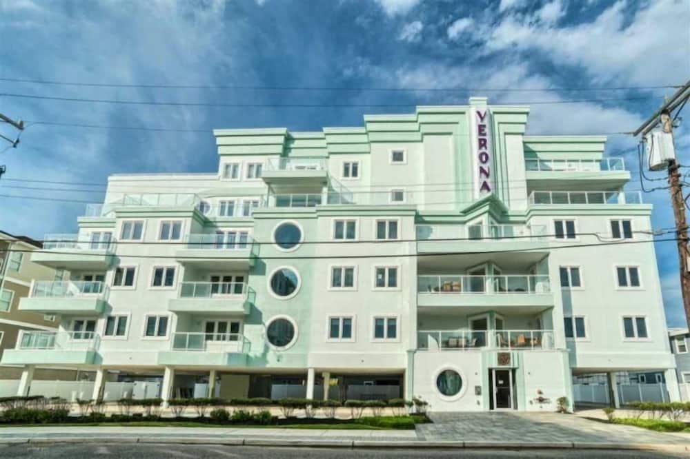 407 East Monterey Avenue - 501