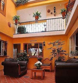 A(z) HOTEL CAMELINAS ÁREA BLANCA hotel fényképe itt: Patzcuaro