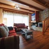 Dvojposchodový apartmán, 3 spálne, výhľad na hory - Obývačka