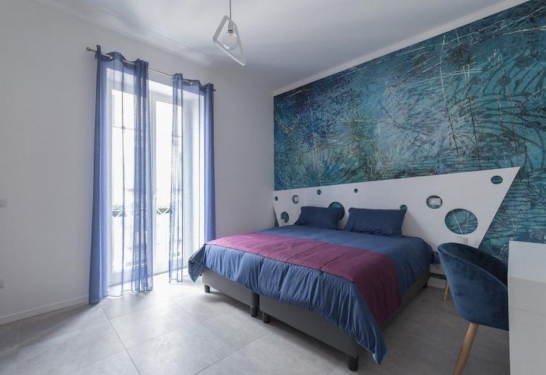 B&B Napoli Centro, Napels, Superior vierpersoonskamer, 1 queensize bed met slaapbank, Uitzicht op de stad, Kamer