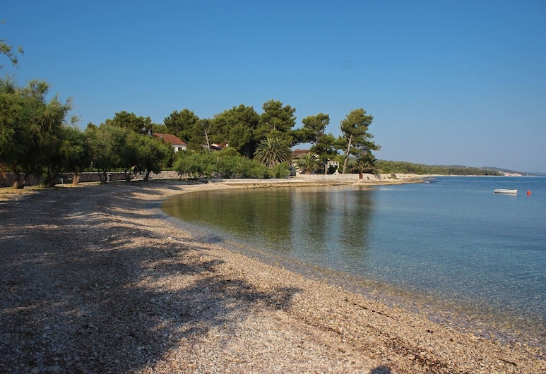 Apartments Pezzi / Two Bedrooms A1 Gajo, Supetar, Appartement, Meerdere bedden, Strand
