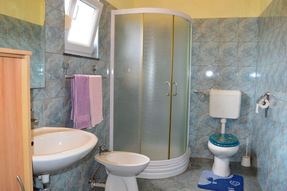 Apartment, 2 Double Beds - Bathroom