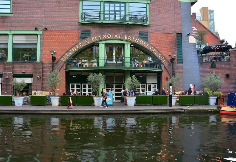 Tudors Cosy Townhouse near City Hospital, Birmingham, Pool