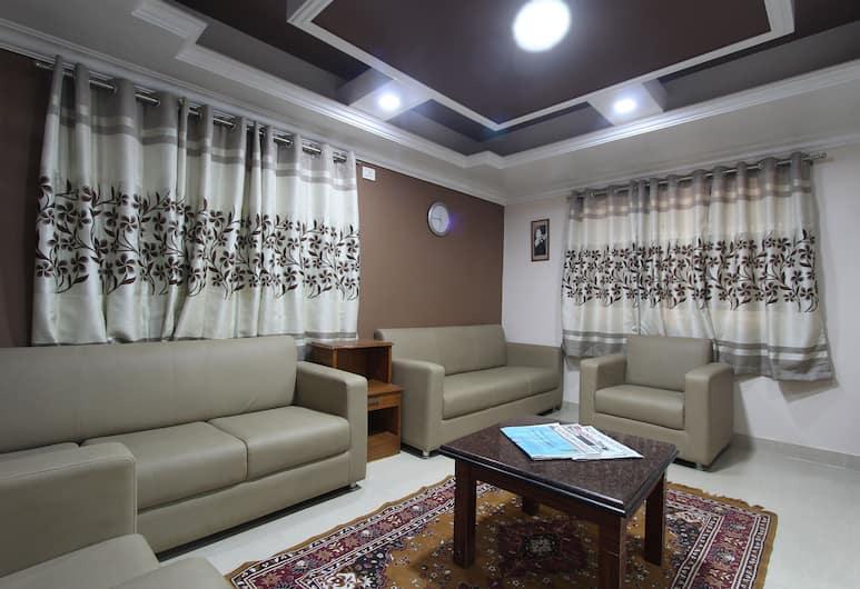 Bluemoon Grand, Bengaluru, Lobby Sitting Area