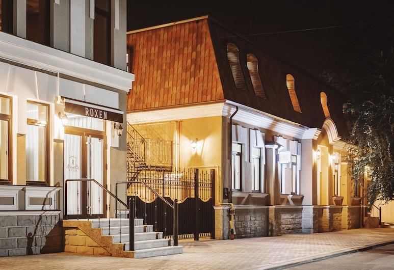 록센 호텔&스파, 키시나우, 호텔 정면 - 저녁/밤
