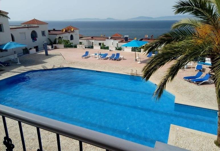 Basma Tarifa Beach, Ksar es Seghir, Vonkajší bazén