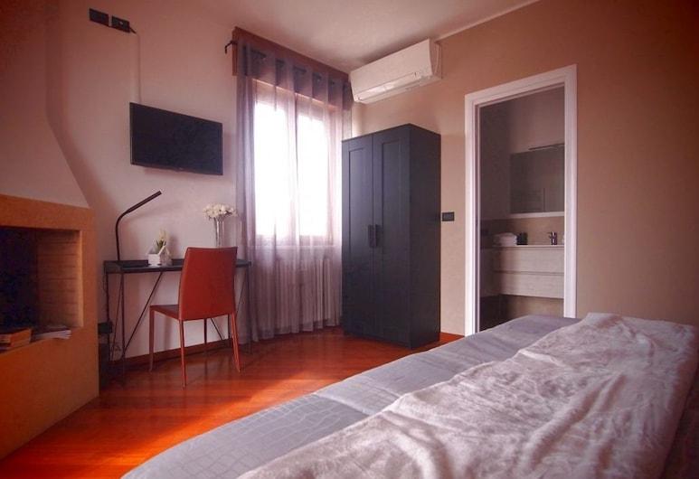 苏萨纳家庭旅馆, Cavaion Veronese, 双人房/双床房, 1 张双人床或 2 张单人床, 阳台 (Il Camino), 客房