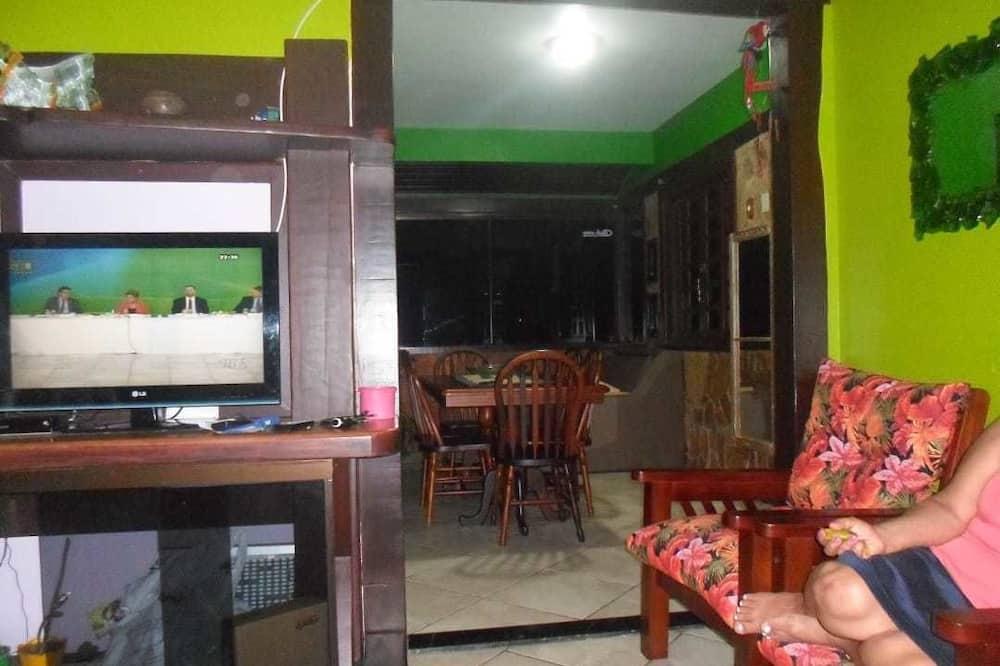 Family Ev, Avlu Manzaralı - Oturma Alanı
