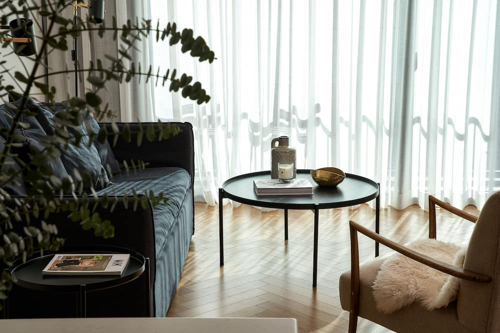 Deluxe Apartment, 1 Bedroom, River View (4 pax) - Living Area