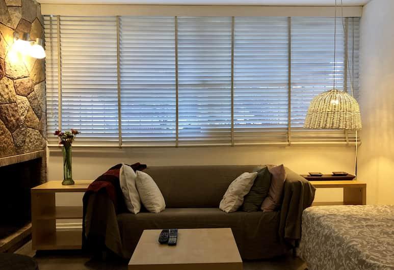 Warm comfortable house great location, Mendoza, Maison Design, 2 chambres, non-fumeurs, vue cour intérieure, Coin séjour