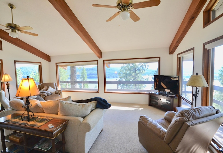 Lodgepole Ridge - 2 Br Cabin, Whitefish, Cabin, 2 Bedrooms, Living Room