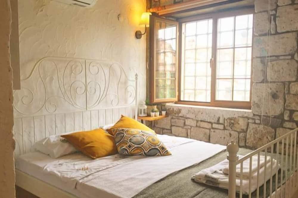 Deluxe Double Room, Garden View - Bilik Tamu