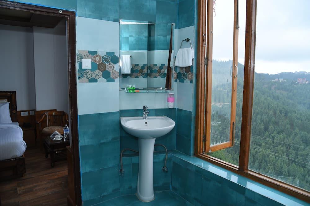 Tuba, vaade mägedele - Vannituba