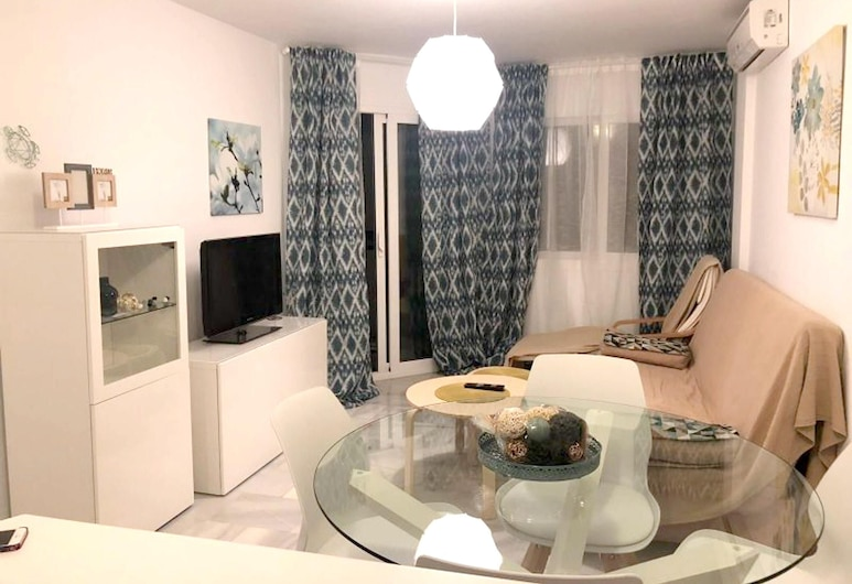 Apartment With one Bedroom in Torremolinos, With Wonderful Mountain View, Shared Pool, Terrace - 950 m From the Beach, Torremolinos, Kamer