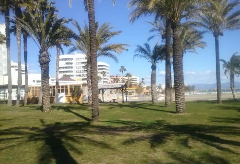 Apartment With one Bedroom in Torremolinos, With Wonderful Mountain View, Pool Access, Terrace - 950 m From the Beach, Torremolinos, Hotellområde