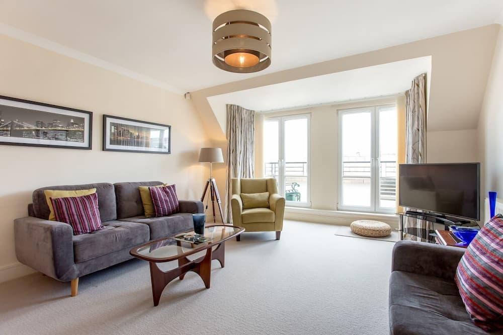 דירה (3 Bedrooms) - סלון