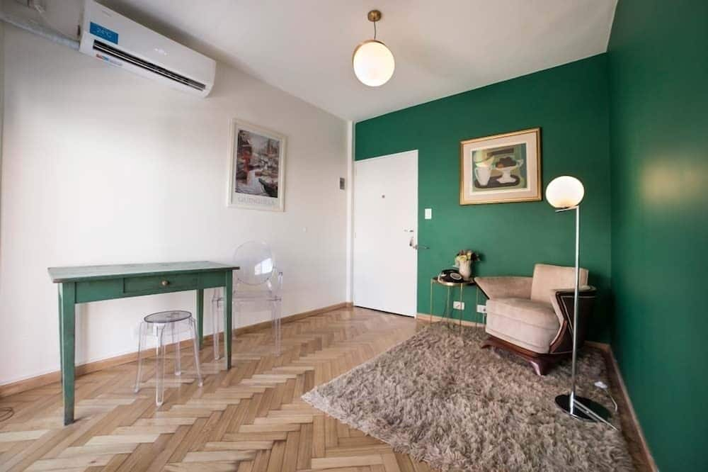 Apartment, 1 Queen Bed, Private Bathroom - Living Area