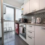 Apartment, 1 Queen Bed, Private Bathroom - Shared kitchen