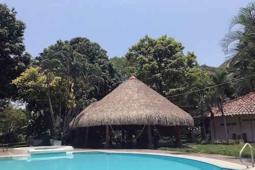 瓦卡鄉村飯店/