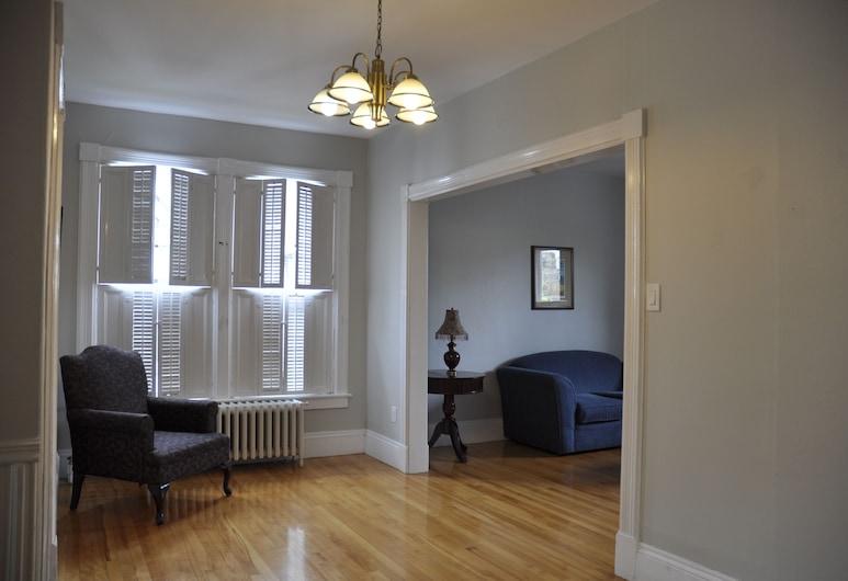 Moncton Suites on Alma, Moncton, Signature Apartment, Living Area