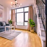 Family Apartment, 1 Bedroom, Non Smoking, Hill View - Living Room