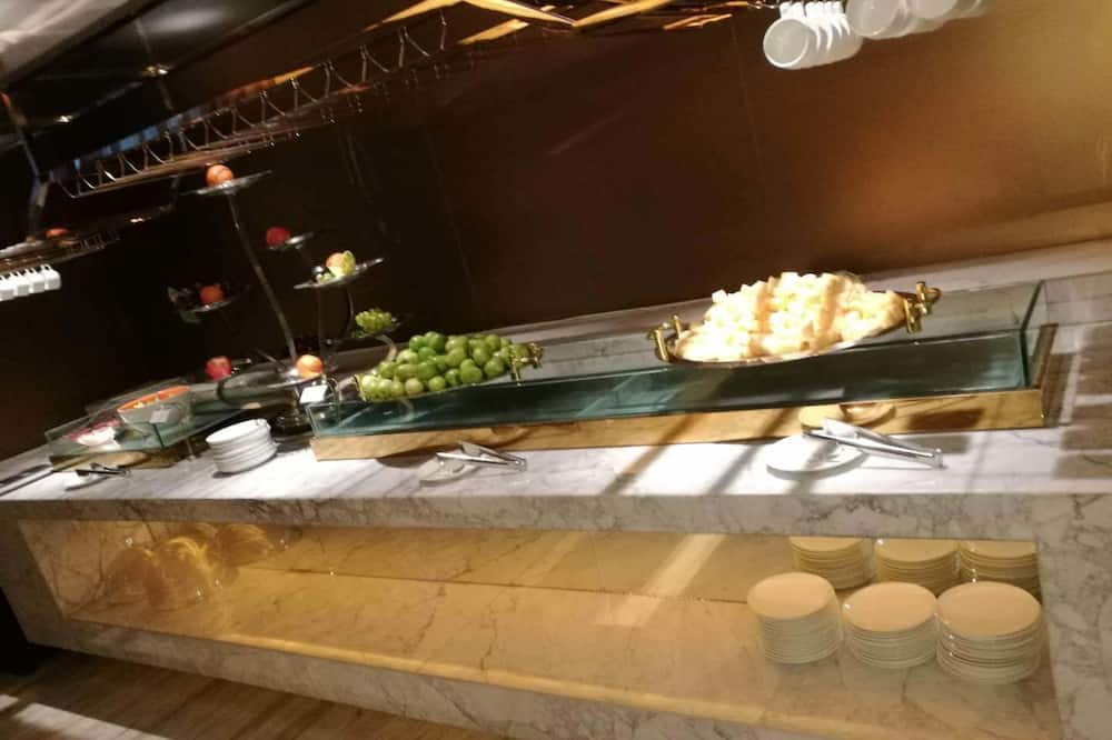Завтрак «шведский стол»