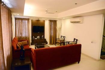 Mynd af JK Rooms 146 Check Inn Service Apartment í Nagpur