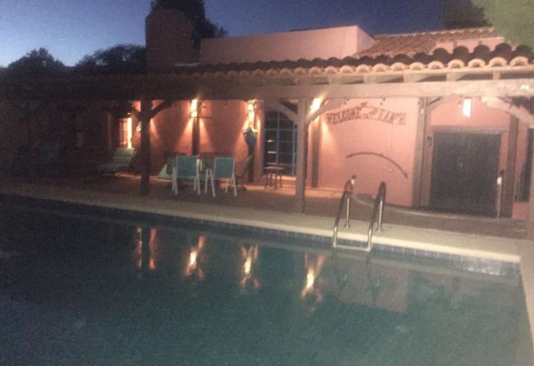 歷史綠谷牧場飯店, 杜馬卡可利 , 室外游泳池